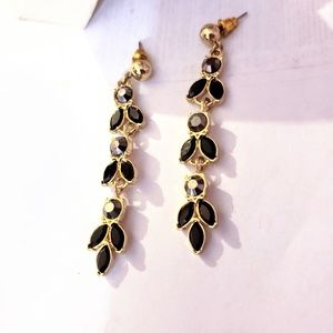 Fine Quality Rhinestone Earrings